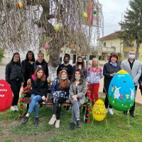 Община, детска градина и училище с обща инициатива за великденска украса на град Гулянци
