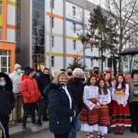 """СУ """"Хр. Смирненски"""" гр. Гулянци закупи трактор за провеждане на професионално обучение"""